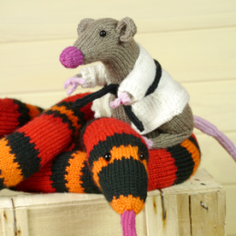 300_0012_Knitting-pattern-snake-mouse-rat